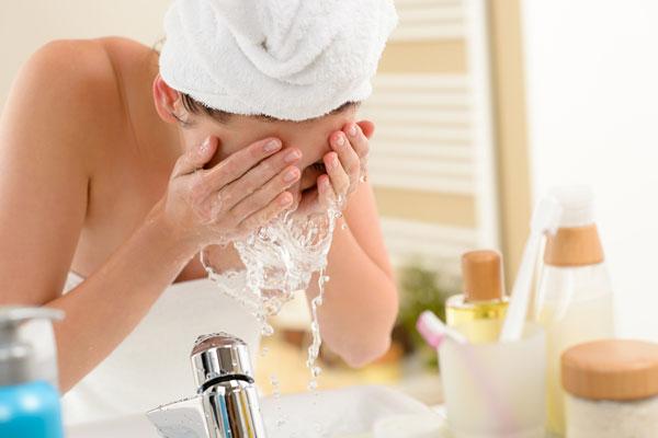 Reinheitsgebot – die richtige Gesichtsreinigung!